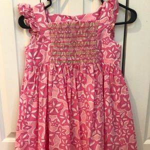 Lilly Pulitzer Girls smocked Dress size 8